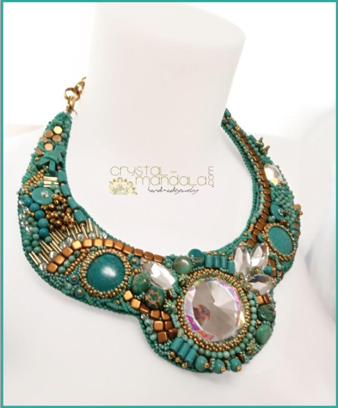 #handmadejewelry #crystalmandala #pendant #necklace #beadedjewelry #machegioia #beadedjewelryofinstagram #necklaces #embroidery #beadembroidery #seedbeadjewelry #seedbeads #jasper #turquoise #turquoisejewelry